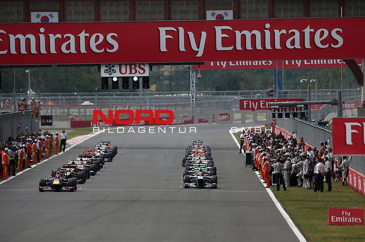 F1 Race Start - Sebastian Vettel (GER), Red Bull Racing - Lewis Hamilton (GBR), Mercedes GP <br /> for Austria &amp; Germany Media usage only!<br />  Foto &copy; nph / Mathis