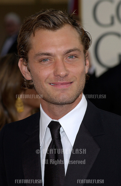 JUDE LAW at the Golden Globe Awards at the Beverly Hills Hilton Hotel..19JAN2003...© Paul Smith / Featureflash