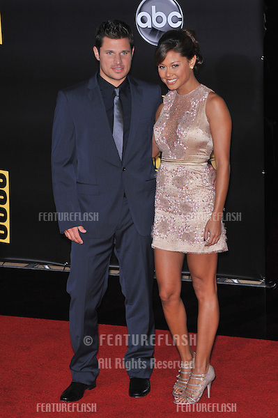 Nick Lachey & Vanessa Minnillo at the 2008 American Music Awards at the Nokia Live! Theatre, Los Angeles..November 23, 2008 Los Angeles, CA.Picture: Paul Smith / Featureflash