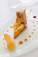 Europe/France/Bretagne/56/Morbihan/Lorient: La mangue, fruits de la passion et noix de coco, recette de  Jean-Paul Abadie, restaurant: L'Amphytrion