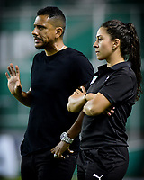 PALMIRA - COLOMBIA, 03-08-2019: Alvaro Diego Herrera técnico del Cali gesticula durante partido entre Deportivo Cali y Cortuluá por la fecha 4 de la Liga Femenina Águila 2019 jugado en el estadio Deportivo Cali de la ciudad de Palmira. / Alvaro Diego Herrera coach of Cali gestures during match between Deportivo Cali and Cortulua for the date 4 as part Aguila Women League 2019 played at Deportivo Cali stadium in Palmira city. Photo: VizzorImage / Nelson Rios / Cont