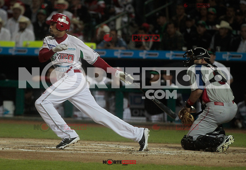 Chris Roberson.durante  la Serie del Caribe 2013  de Beisbol,  Mexico  vs Puerto Rico,  en el estadio Sonora el 1 de febrero de 2013 en Hermosillo.....©(foto:Baldemar de los Llanos/NortePhoto)........During the game of the Caribbean series of Baseball 2013 between Mexico  vs Puerto Rico. .©(foto:Baldemar de los Llanos/NortePhoto)..http://mlb.mlb.com/mlb/events/winterleagues/league.jsp?league=cse