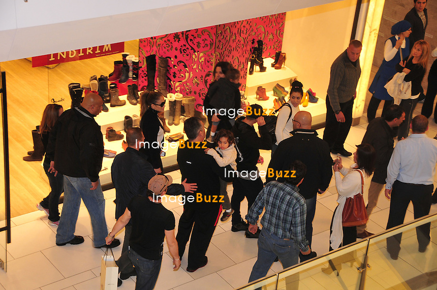 Jennifer Lopez went on a boat trip on the luxury yacht AGA-1 on the Bosphorus and then took her kids shopping at the shopping centre Akmerkez in the district of  Etiler, where she bought a pair of boots for 690 Turkish Lira (250 Euros). Istanbul - Turkey, November 17, 2012.. ..