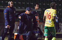 TUNJA - COLOMBIA, 12-11-2019: Jhon Jaime Gomez técnico del Chicó gesticula durante partido entre Boyacá Chicó y Real Cartagena por los cuadrangulares semifinales como parte del Torneo Águila 2019 II realizado en el estadio La Independencia en Tunja. / Jhon Jaime Gomez coach of Chico during the match between Boyaca Chico and Real Cartagena for the quadrangular semifinals as part Aguila Tournament 2019 II played at La Independencia stadium in Tunja. Photo: VizzorImage / Jose Miguel Palencia / Cont