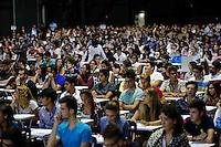 Universita gli studenti si sottopongono Test di ammisione alla facolta di Medicina<br /> nella foto la  candidati all interno del Palapartenope