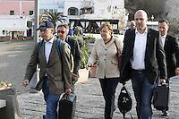 ISCHIA LA CANCELLIERA TEDESCA ANGELA MERKEL IN COMPAGNIA DEL MARITO JOACHIM SAUER ( CAPPELLO bLU)   E DI ALCUNE GUARDIE DEL CORPO.NELLA FOTO.FOTO CIRO DE LUCA..