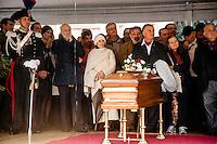 15 Ott 2016, Cerimonia laica in piazza Duomo per il saluto della citt&agrave; di Milano a Dario Fo. Al centro Carlo Petrini e Carla Fracci.<br /> October 15, 2016, secular ceremony in Piazza Duomo for the greetings of the city of Milan to Dario Fo.