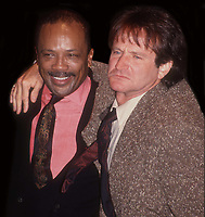 Quincy Jones Robin Williams 1991<br /> Photo By John Barrett/PHOTOlink