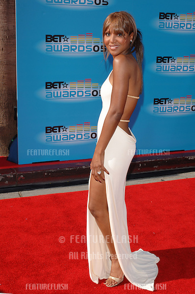 Singer TONI BRAXTON at the 2005 BET (Black Entertainment Television) Awards at the Kodak Theatre, Hollywood..June 28, 2005 Los Angeles, CA.© 2005 Paul Smith / Featureflash