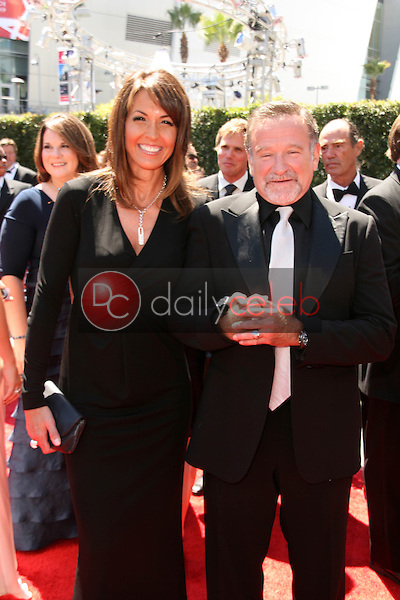 Robin Williams and Sue Snyder<br />