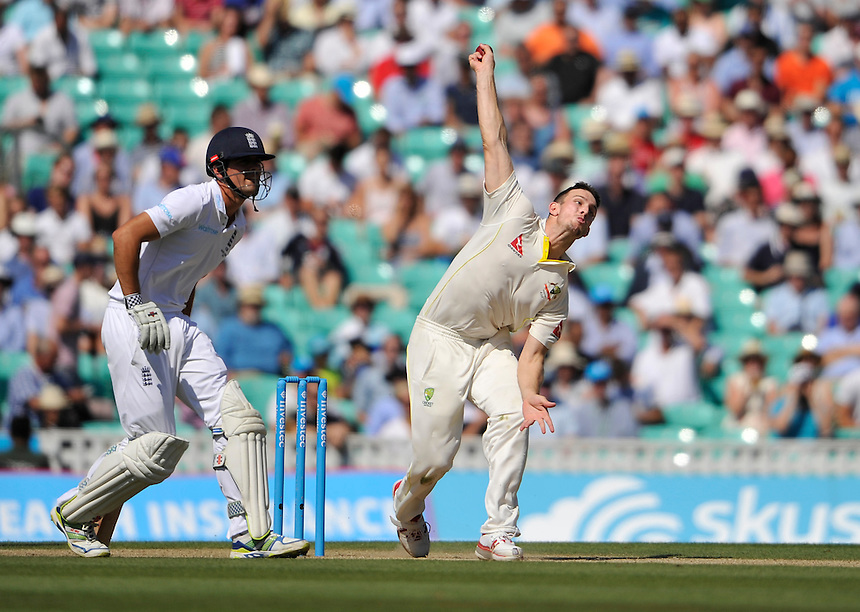 Australia's Mitchell Marsh in action today <br /> <br /> Photographer Ashley Western/CameraSport<br /> <br /> International Cricket - Investec Ashes Test Series 2015 - Fifth Test - England v Australia - Day 3 - Saturday 22nd August 2015 - Kennington Oval - London<br /> <br /> &copy; CameraSport - 43 Linden Ave. Countesthorpe. Leicester. England. LE8 5PG - Tel: +44 (0) 116 277 4147 - admin@camerasport.com - www.camerasport.com