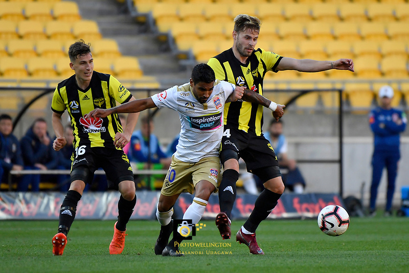 Newcastle Jets' Ronald Vargas and Wellington Phoenix' Goran Paracki in action during the A League - Wellington Phoenix v Newcastle Jets at Westpac Stadium, Wellington, New Zealand on Sunday 21 October  2018. <br /> Photo by Masanori Udagawa. <br /> www.photowellington.photoshelter.com