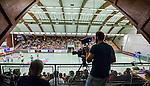 Stockholm 2014-09-18 Handboll Elitserien Hammarby IF - IFK Sk&ouml;vde :  <br /> Kameraman filmar matchen mellan Hammarby och Sk&ouml;vde fr&aring;n l&auml;ktaren<br /> (Foto: Kenta J&ouml;nsson) Nyckelord:  Eriksdalshallen Hammarby HIF HeIF Bajen IFK Sk&ouml;vde TV kamera TV-kamera inomhus interi&ouml;r interior