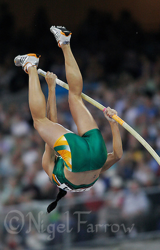 23 MAR 2006 - MELBOURNE, AUSTRALIA - Samantha Dodd (RSA) - Pole vault - Commonwealth Games '06. (PHOTO (C) NIGEL FARROW)