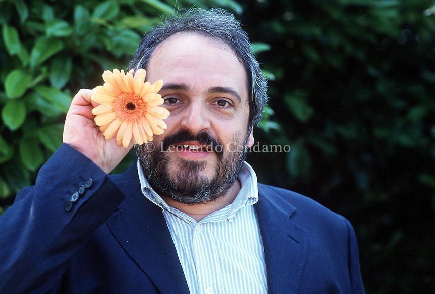 2000: LUCA DONINELLI, WRITER © Leonardo Cendamo