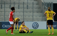20181009 – BIEL BIENNE , SWITZERLAND : Belgian players with Davinia Vanmechelen pictured looking dejected and disappointed after failing to qualify after the female soccer game between Switzerland and the Belgian Red Flames , the second leg in the semi finals play offs for qualification for the World Championship in France 2019 ; the first leg ended in equality 2-2 ;  Tuesday 9 th october 2018 at The Tissot Arena  in BIEL BIENNE , Switzerland . PHOTO SPORTPIX.BE | DAVID CATRY