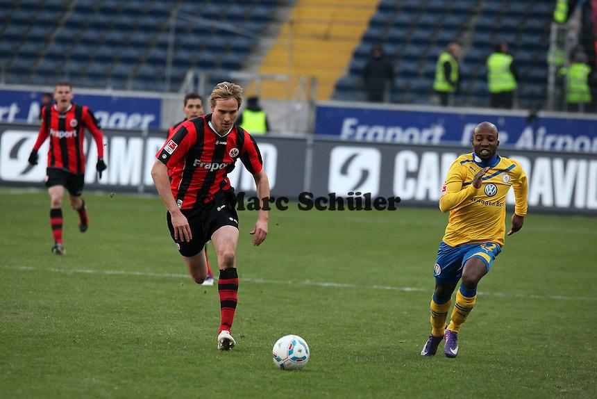 Martin Amedick (Eintracht) gegen Dominik Kumbela (Braunschweig)