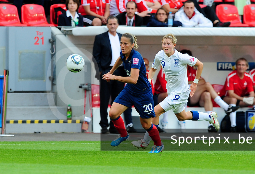 Fifa Women's World Cup Germany 2011 : England - France - at Leverkusen :  Sabrina Viguier aan de bal voor Ellen White.foto DAVID CATRY / Vrouwenteam.be