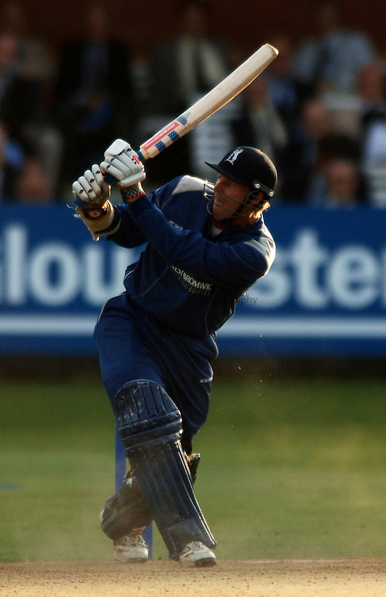 Photo: Glyn Thomas..Hampshire v Warwickshire. C&G Trophy Final..03/09/2005..Warwickshire's Nick Knight hits out on his way to a century.