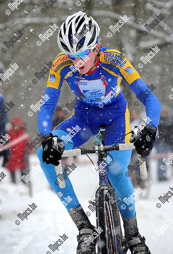 2010-12-04 / Veldrijden / seizoen 2010-2011 / Nieuwelingen / Jelle Schuermans..Foto: Mpics