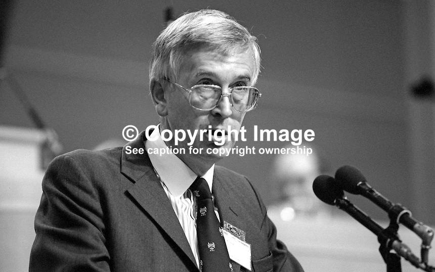 Leif Mills, general secretary, Banking, Insurance  &amp; Finance Union, UK, 19860907LM3<br />