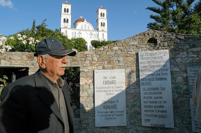 Der 82jaehrige Joanni Papaitiakis (1923) aus der Ortschaft Kandanos auf Kreta. Der Ort wurden als Vergeltung fuer einen Angriff auf die NS-Besatzer von der Wehrmacht vollstaendig zertoert. Nach dem Ende der Besatzung bauten die Ueberlebenden den Ort neu auf.<br /> Papaitiakis war mehrere Jahre in NS-Lagern gefangen, eine Entschaedigung fuer diese Zeit hat er bislang nicht erhalten.<br /> 21.5.2005, Kandanos/Kreta/Griechenland<br /> Copyright: Christian-Ditsch.de<br /> [Inhaltsveraendernde Manipulation des Fotos nur nach ausdruecklicher Genehmigung des Fotografen. Vereinbarungen ueber Abtretung von Persoenlichkeitsrechten/Model Release der abgebildeten Person/Personen liegen nicht vor. NO MODEL RELEASE! Nur fuer Redaktionelle Zwecke. Don't publish without copyright Christian-Ditsch.de, Veroeffentlichung nur mit Fotografennennung, sowie gegen Honorar, MwSt. und Beleg. Konto: I N G - D i B a, IBAN DE58500105175400192269, BIC INGDDEFFXXX, Kontakt: post@christian-ditsch.de<br /> Bei der Bearbeitung der Dateiinformationen darf die Urheberkennzeichnung in den EXIF- und  IPTC-Daten nicht entfernt werden, diese sind in digitalen Medien nach &sect;95c UrhG rechtlich geschuetzt. Der Urhebervermerk wird gemaess &sect;13 UrhG verlangt.]