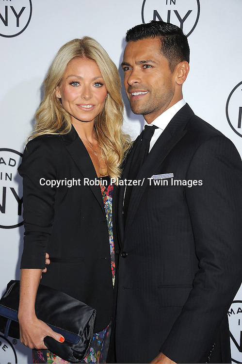 "Kelly Ripa and husband Mark Consuelos attend the ""Made in NY""  Awards at Gracie Mansion on June 4, 2012 in New York City."