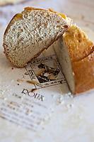 Europe/France/Midi-Pyrénées/12/Aveyron/Aubrac/Laguiole: Fouace de la Maison Roux -  Fouace de Laguiole<br /> - La Fouace est un très ancien gâteau traditionnel du Rouergue.