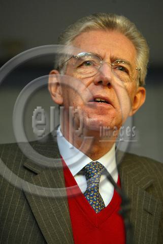 Elgium--Brussels--Commission     12.02.2003                .Mario MONTI, Commissioner of Competition ;   .Portrait , Gestik / Geste ;     . PHOTO: EUP-IMAGES.COM / ANNA-MARIA ROMANELLI