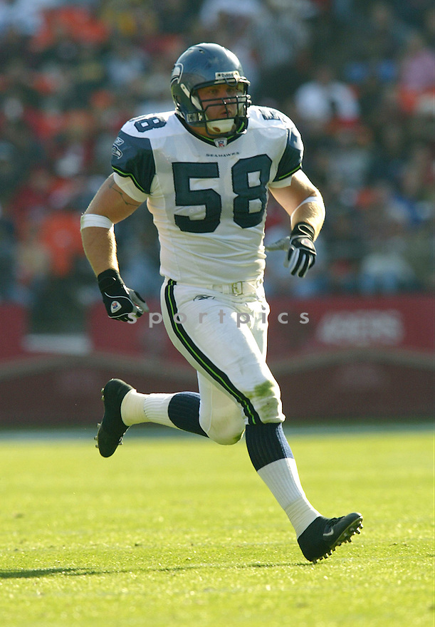 Isaiah Kacyvenski during the Seattle Seahavks v. San Francisco 49ers game on November 7, 2004...Seattle wins 42-27..Rob Holt / SportPics