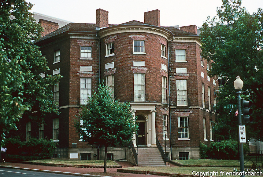 Washington D.C. : The Octagon, 1800. Built for Col. John Tayloe. Architect William Thornton (appears to be a hexagon).