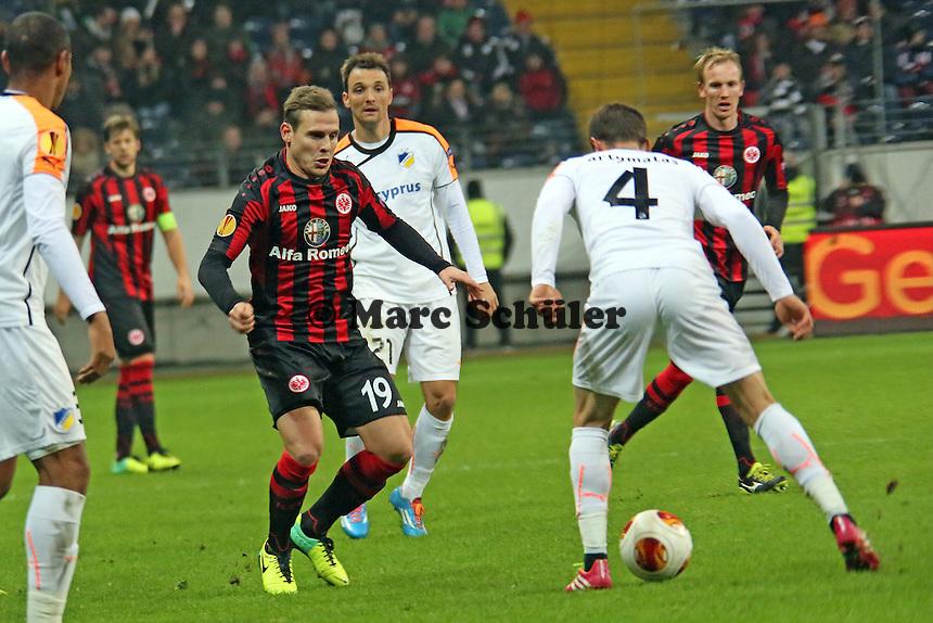 Marvin Bakalorz (Eintracht) gegen Kostakis Artymatas (nikosia) - Eintracht Frankfurt vs. APOEL Nikosia, Commerzbank Arena, Europa League Gruppenphase