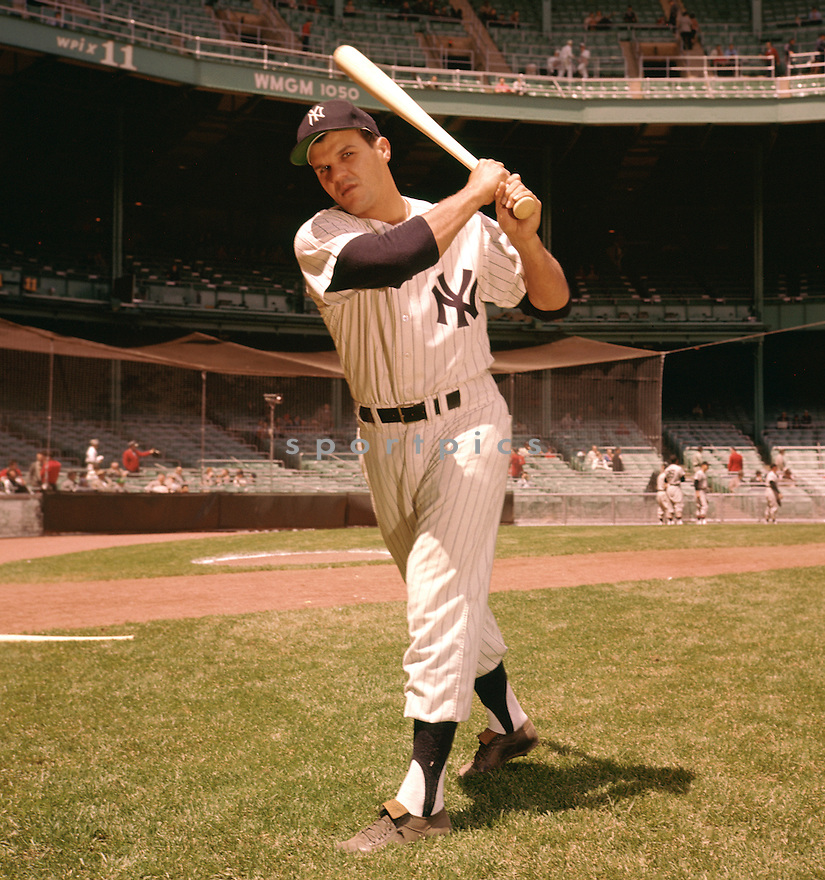 New York Yankees Bill Skowron (14) portrait from his 1960 season with the New York Yankees .  Bill Skowron played for 14 years with the 5-different teams and was a 6-time All-Star.