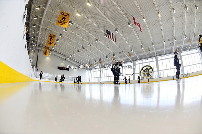 July 8, 2017: Boston Bruins prospects skate during the Boston Bruins development camp held at Warrior Ice Arena in Brighton, Massachusetts. Eric Canha/CSM