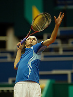 20-2-06, Netherlands, tennis, Rotterdam, ABNAMROWTT,   Gilles Simon in action against Lesley Moodie