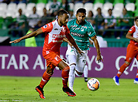 PALMIRA-COLOMBIA, 11-02-2020: Jesús Arrieta de Deportivo Cali y Alvaro Arrieta de River Plate disputan el balón durante partido de ida entre Deportivo Cali de Colombia y River Plate of Paraguay, por la Copa Conmebol Sudamericana 2020 en el estadio Deportivo Cali de la ciudad de Palmira (Palmaseca). / Jesus Arrieta of Deportivo Cali and Alvaro Arrieta vie for the ball of River Plate, during a match between Deportivo Cali of Colombia and River Plate of Paraguay, for the Conmebol Sudamericana Cup 2020 at the Deportivo Cali Stadium in Palmira (Palmaseca) city. / Photo: VizzorImage / Nelson Ríos / Cont.