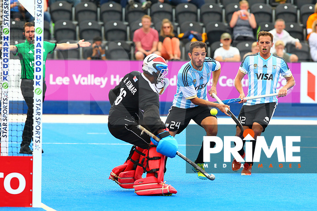 Manuel Brunet shoots to score Argentina's 2nd goal during the Hockey World League Semi-Final match between Argentina and Malaysia at the Olympic Park, London, England on 24 June 2017. Photo by Steve McCarthy.
