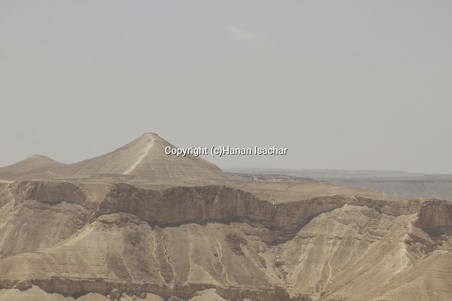 Israel, Negev, Mount Akev overlooking Zin Valley