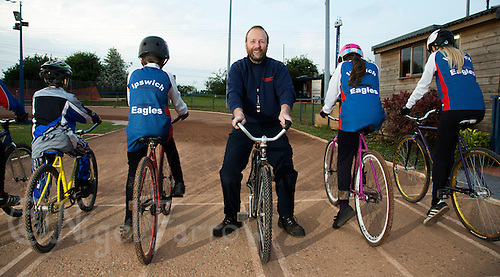 26 MAY 2015 - IPSWICH, GBR - Les Fellgett, England and Juniors coach at Ipswich Cycle Speedway Club, at Whitton Sports and Community Centre in Ipswich, Suffolk, Great Britain (PHOTO COPYRIGHT © 2015 NIGEL FARROW, ALL RIGHTS RESERVED)