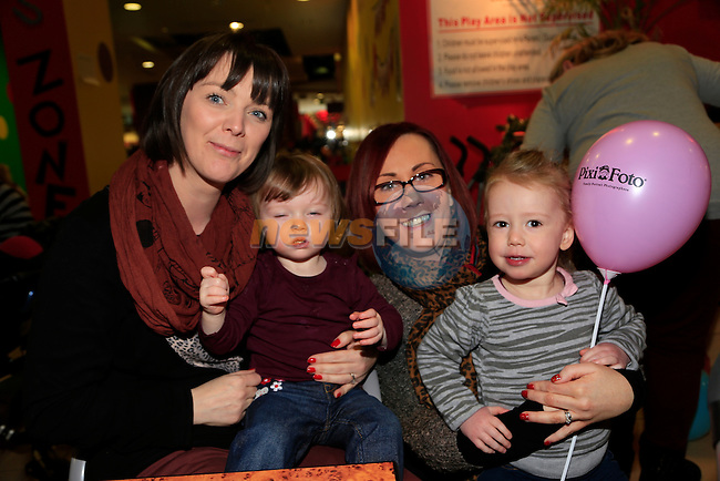 Annmarie Porter and Emily Porter, Susan and Ava Lindsey at the Mumstown coffee morning.<br /> Picture: Fran Caffrey www.newsfile.ie