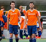 DEN HAAG - Daniel Aarts  en Glenn Schuurman  na de trainingswedstrijd Nederland-Argentinie (1-2). COPYRIGHT KOEN SUYK