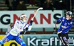 Uppsala 2014-11-15 Bandy Elitserien IK Sirius - IFK V&auml;nersborg :  <br /> V&auml;nersborgs Richard Kamperin-Wallin med en h&ouml;g klubba framf&ouml;r Sirius Mattias Hammarstr&ouml;m under matchen mellan IK Sirius och IFK V&auml;nersborg <br /> (Foto: Kenta J&ouml;nsson) Nyckelord:  Bandy Elitserien Uppsala Studenternas IP IK Sirius IKS IFK V&auml;nersborg