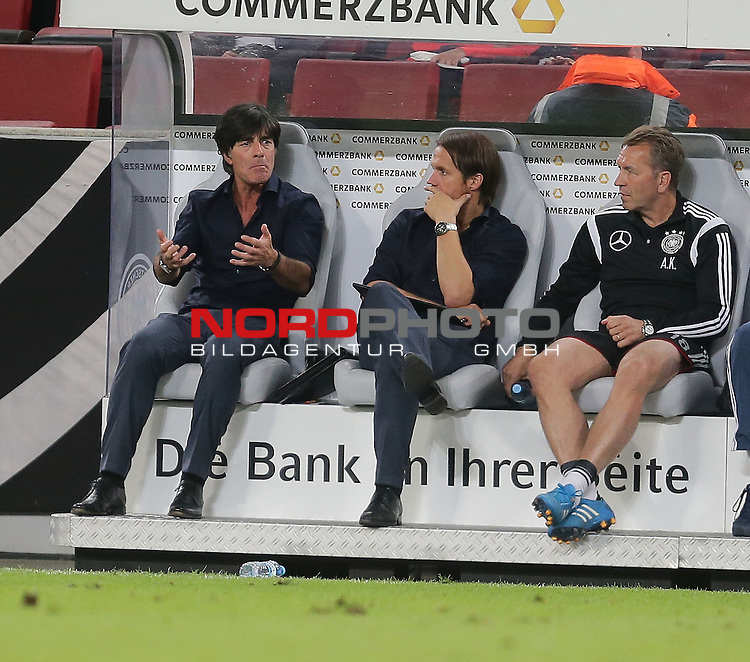 DFB Freundschaftsl&auml;nderspiel, Deutschland vs. USA<br /> Ein verzweifelter Trainer Joachim L&ouml;w (Deutschland) und Co-Trainer Thomas Schneider (Deutschland)<br /> <br /> Foto &copy; nordphoto /  Bratic