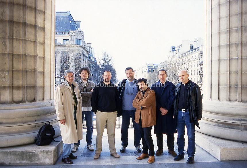 Bruno Arpaia, Dario Buzzola, Carlo Lucarelli, Massimo Carlotto, Marcello Fois, Santo Piazzese, Tiziano Scarpa. Paris, 2002.  © Leonardo Cendamo