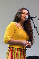 Chanteuse presente dans de nombreuse formations, et en particulier dans Loaned Fall avec Ronan GUEBLEZ et aussi avec Nolwen LE BUHE et Annie EBREL