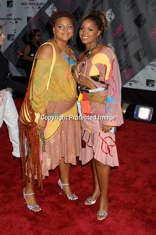 ©2003 ARIEL RAMEREZ / HUTCHINS PHOTO.MTV MUSIC VIDEO AWARDS.RADIO CITY MUSIC HALL.AUGUST 28, 2003.NEW YORK, NY, USA.FLOETRY