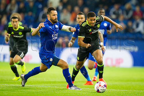 20.09.2016. King Power Stadium, Leicester, England. Football League Cup Football. Leicester City versus Chelsea. Ruben Loftus-Cheek of Chelsea runs past Marcin Wasilewski of Leicester City.