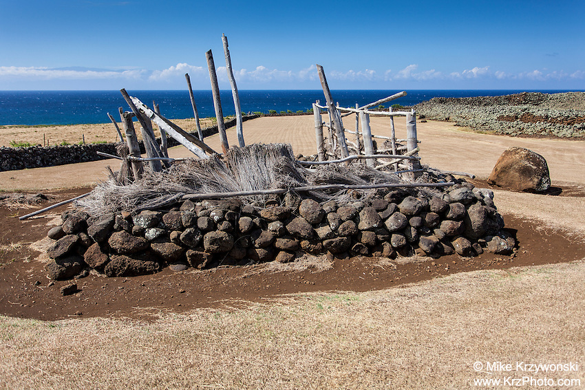 Offering stand at Mo'okini heiau, Big Island, Hawaii
