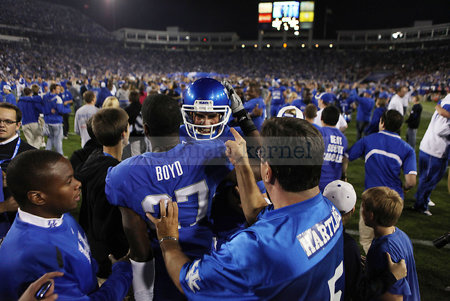 in the second half of UK's 31-28 win over  South Carolina football on Saturday, Oct. 16, 2010. Photo by Britney McIntosh | Staff