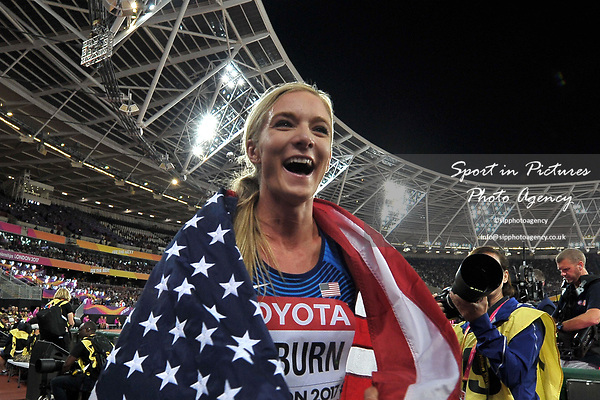 Emma COBURN (USA) celebrates with the flag in the womens 3000m steeplechase final. IAAF world athletics championships. London Olympic stadium. Queen Elizabeth Olympic park. Stratford. London. UK. 11/08/2017. ~ MANDATORY CREDIT Garry Bowden/SIPPA - NO UNAUTHORISED USE - +44 7837 394578